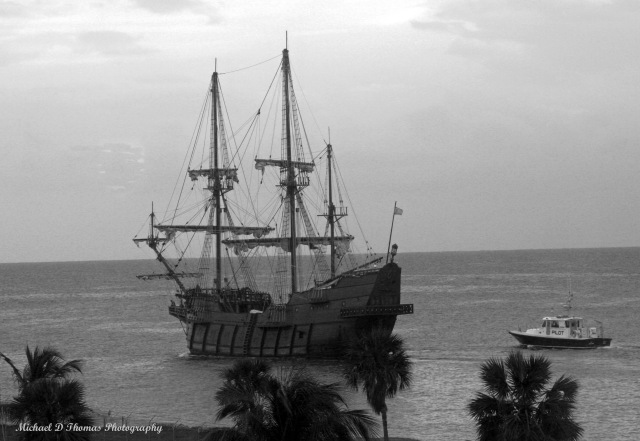 Cruz A 543 Old Ship bw